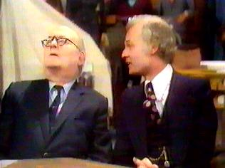 The Are You Being Served Gallery on YCDTOTV.de   Path: www.YCDTOTV.de/aybs_img/a3_51.jpg