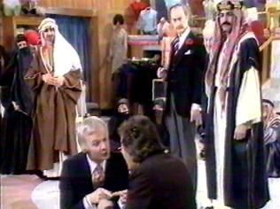 The Are You Being Served Gallery on YCDTOTV.de   Path: www.YCDTOTV.de/aybs_img/d6_158.jpg