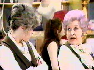 The Are You Being Served Gallery on YCDTOTV.de   Path: www.YCDTOTV.de/aybs_img/d6_161.jpg