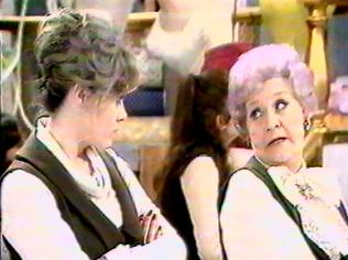The Are You Being Served Gallery on YCDTOTV.de   Path: www.YCDTOTV.de/aybs_img/d6_162.jpg
