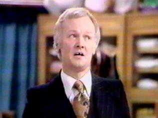 The Are You Being Served Gallery on YCDTOTV.de   Path: www.YCDTOTV.de/aybs_img/d6_169.jpg